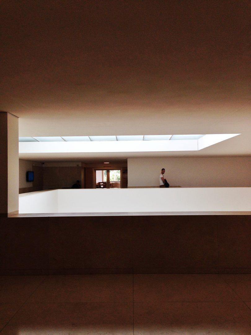 7. Parte superior del atrico que conforma el vestíbulo del museo
